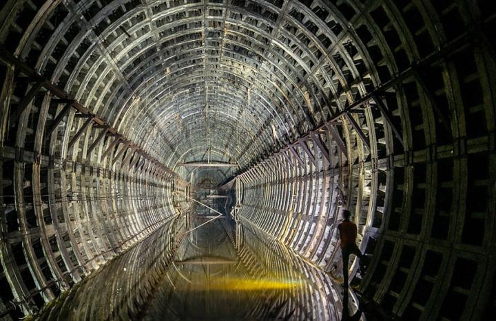 21. Abandoned Subway Tunnel in Kiev, Ukraine