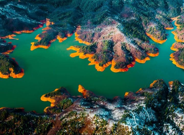 28. Shasta Lake, California, USA.