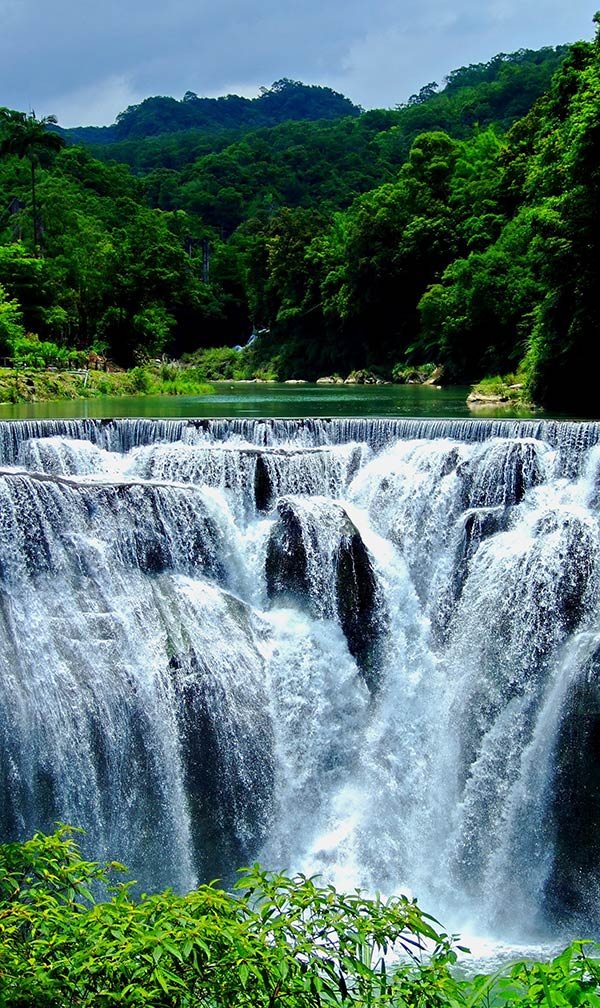 6. Shifen-Waterfall 2