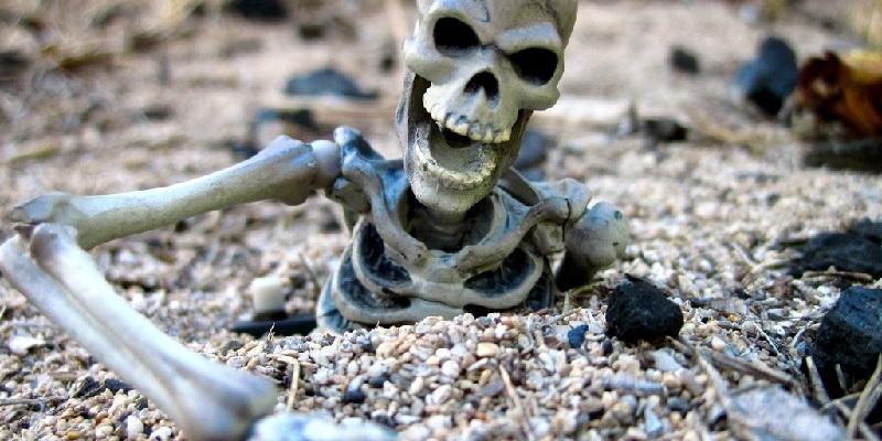 1. Lake of Skeletons - Roopkund Lake, Chamoli, Uttarakhand