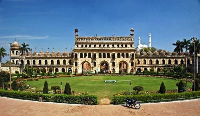 16. Bada Imambara, Lucknow gravity defying