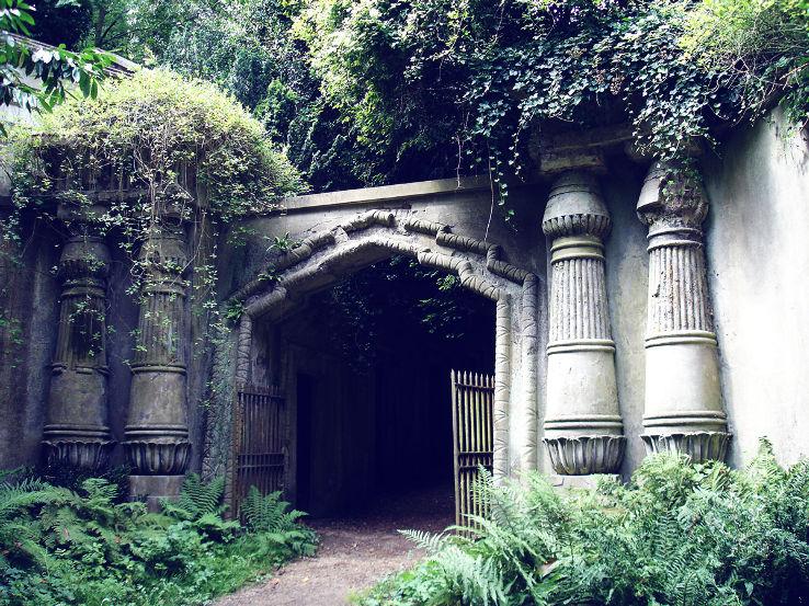 6b. highgate_cemetery2