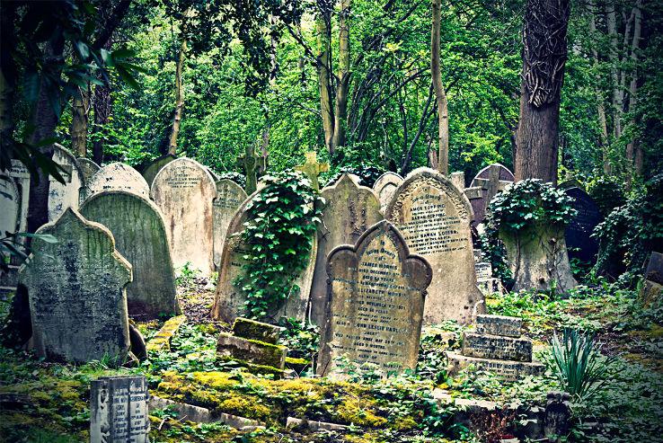 6c. highgate_cemetery3