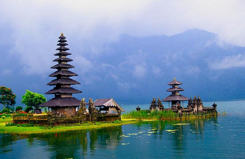 23. Pura Bratan Temple, Bedugul Beratan Lake, Bali