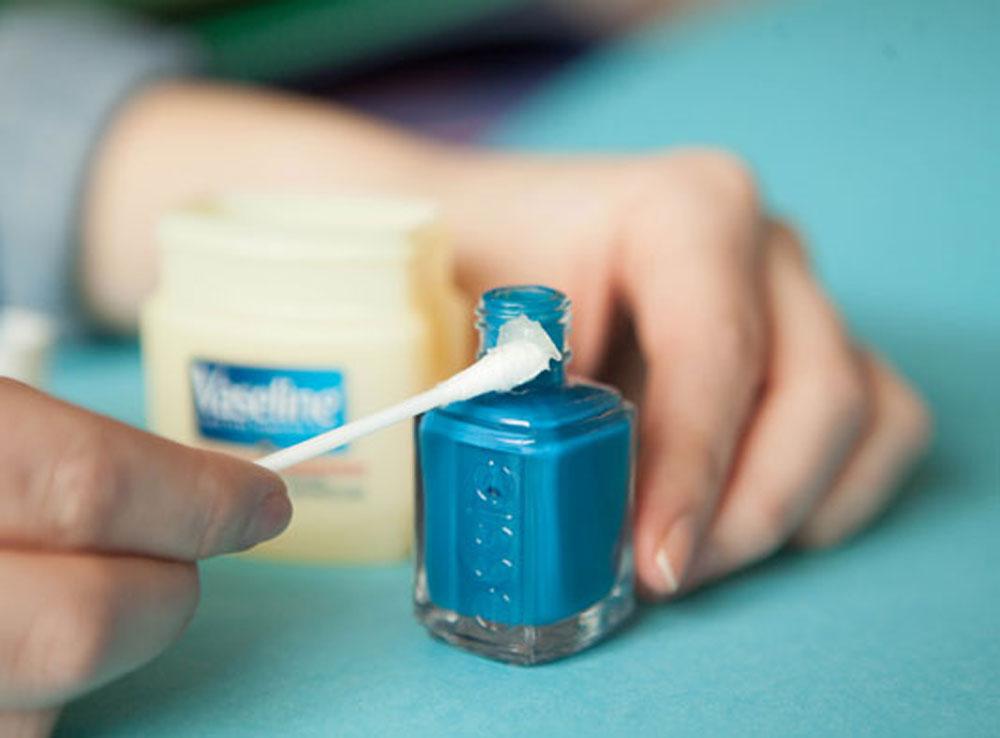 4. Keep nail shine tops from drying close