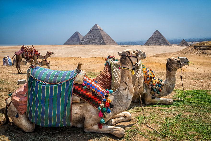 10b-giza-pyramids-egypt2